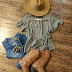 Shinestar wrap around Olive short sleeve blouse